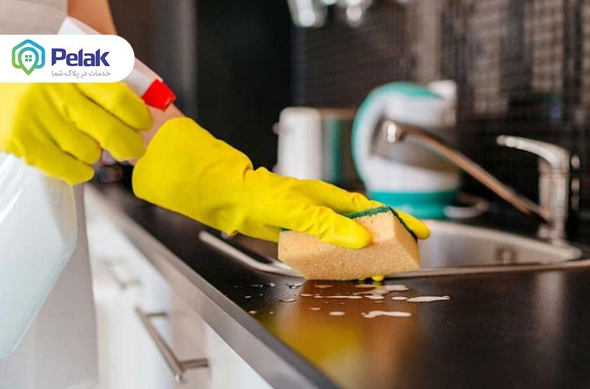 تمیز کردن خانه با این ۱۰ روش مثل آب خوردن است! در یک چشم بهم زدن برق بیاندازید!